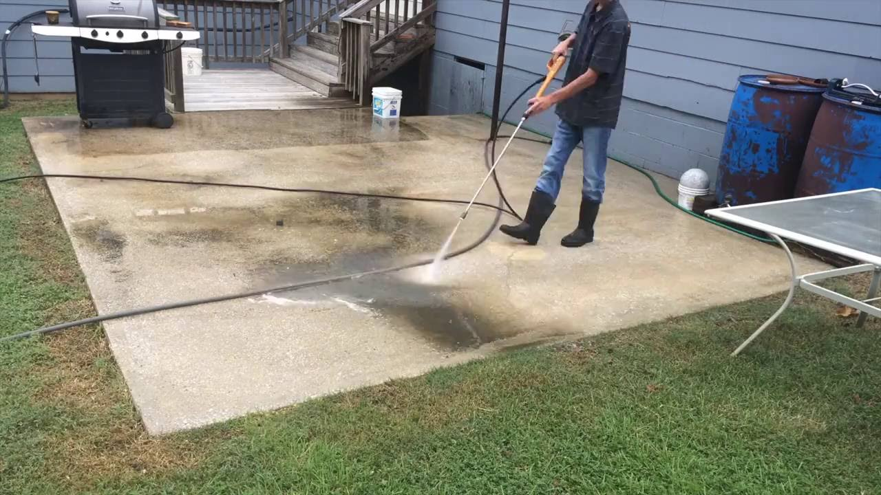 Effectively Clean Your Concrete Patio